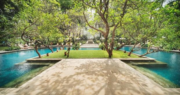 Outdoor & Indoor Swimming Pool